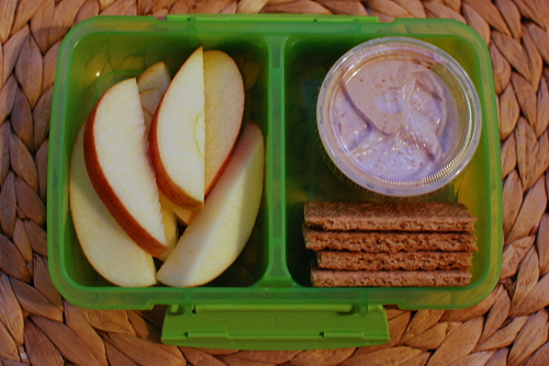 Apples Graham Crackers and PB Dip