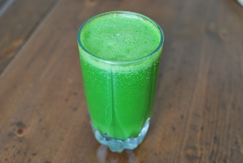 pineapple spinach and kiwi smoothie